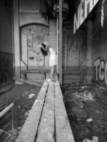 Représentation concrète mobile du désordre amoureux, photographie
